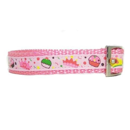 Girly Things pet collar side view.