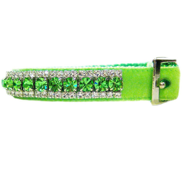 Green apple crystal pet collar side view.