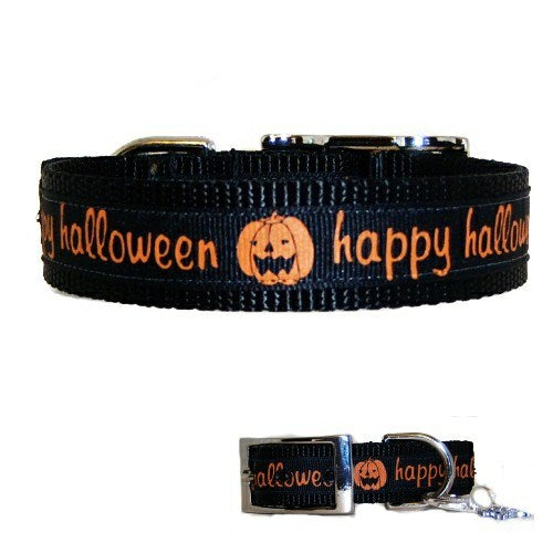 Happy Halloween dog collar with pumpkin print.