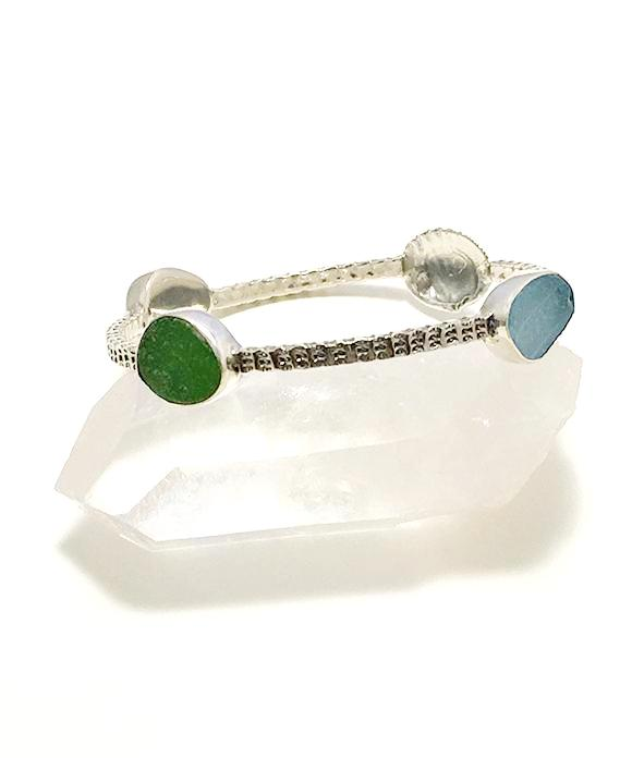 Scallop Shell with Textured Aqua, Green & Light Blue Sea Glass Heavy Bangle - Size Medium