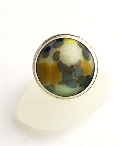 Cream with Steel Blue & Yellow Speckles Fused Glass Bubble Ring - Size 8.5