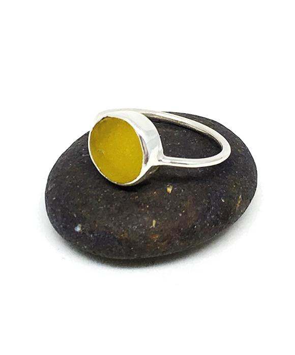 Yellow Flower Vintage Button Ring - Size 7