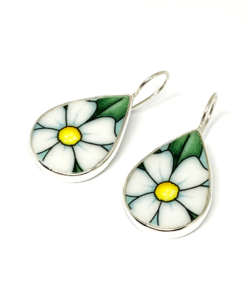 Large White & Yellow Daisy Vintage Pottery Single Drop Earrings