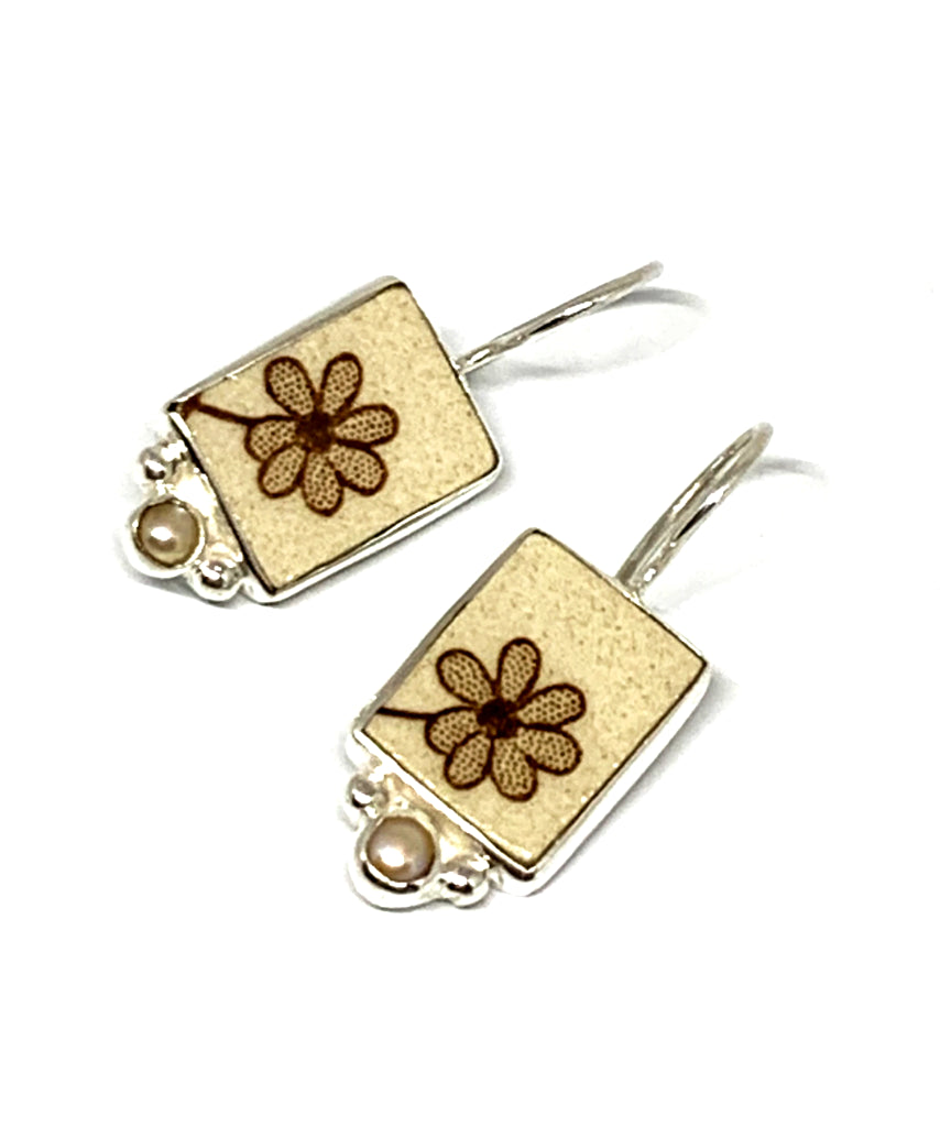 Simple Brown Flower Vintage Pottery with White Pearl Single Drop Earrings