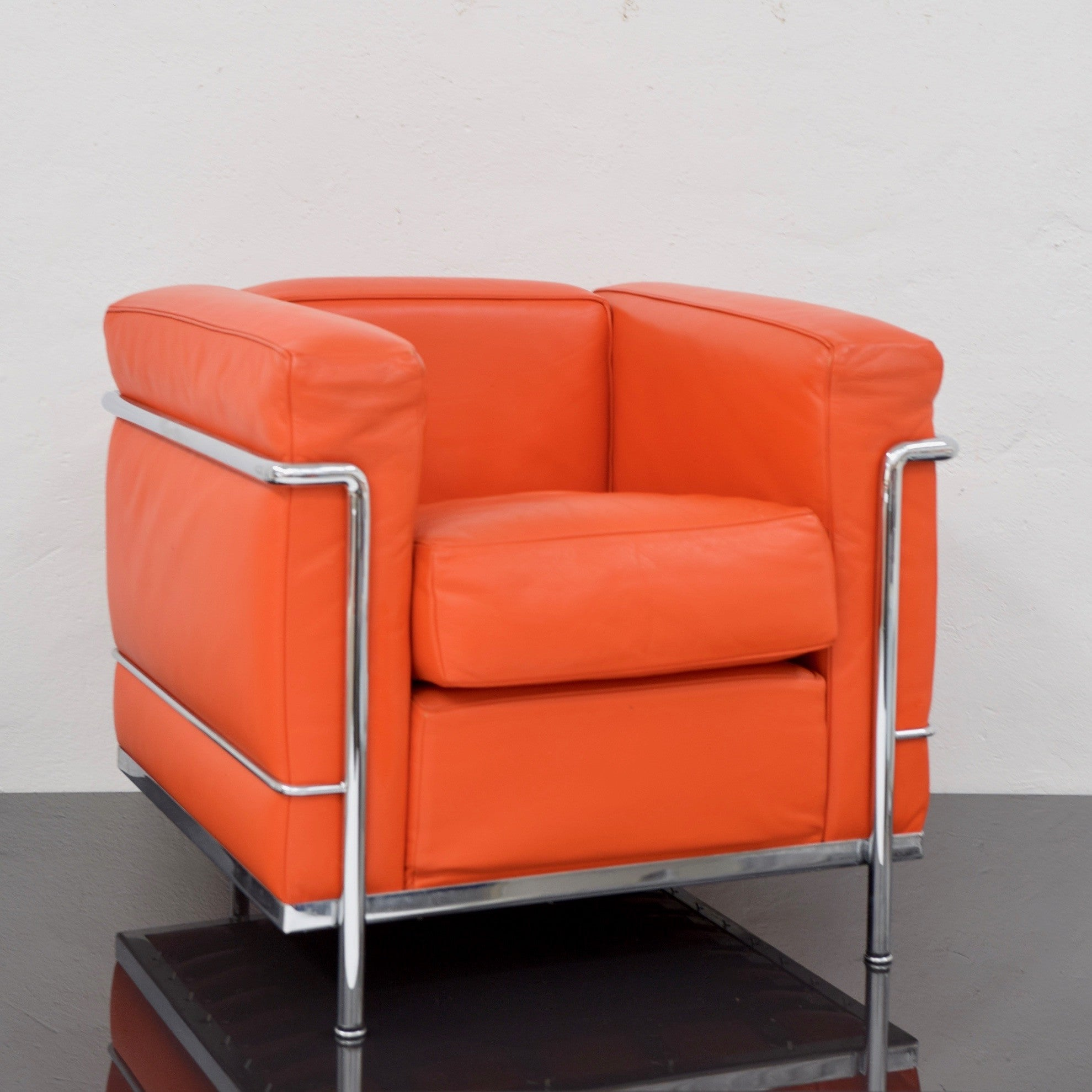 Beau LC3 Lounge Chair By Le Corbusier For Cassina (2 Available)