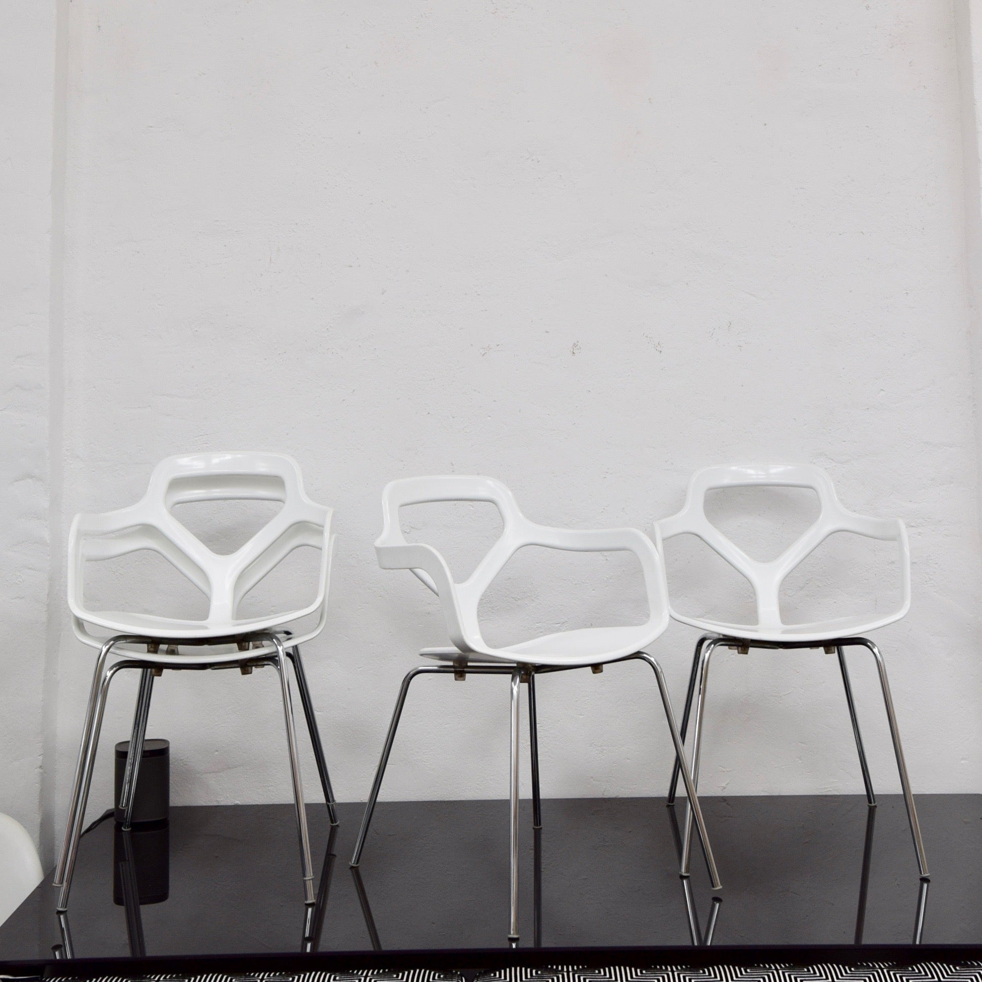 Set of FOUR Trace Chairs by Desalto
