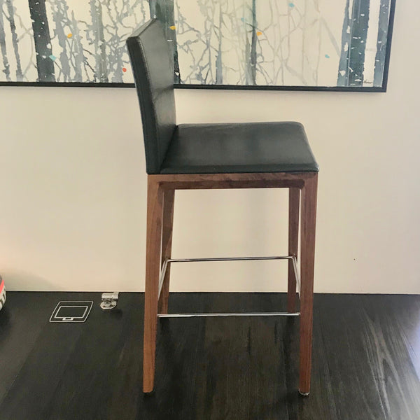 Andoo Barstool by Walter Knoll (2 available)