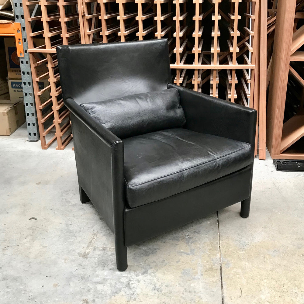 Leather Armchair by Molteni & Co (2 available)
