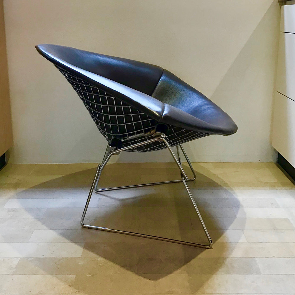 Load image into Gallery viewer, Large Bertoia Diamond Chair by Harry Bertoia for Knoll (2 available)