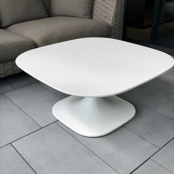 Fiore Small Table in White Cement by Naoto Fukasawa for B&B Italia