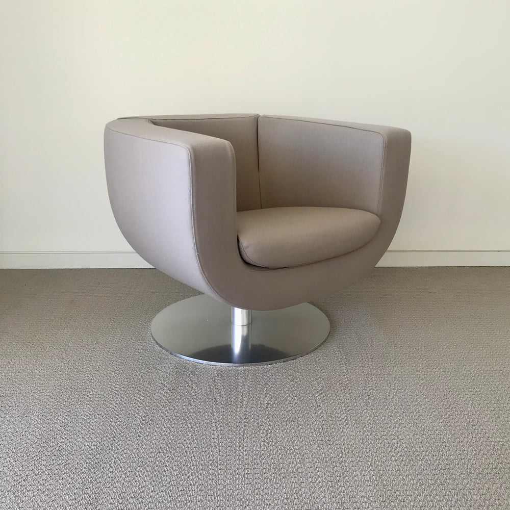 Tulip Chair by Jeffrey Bernett for B&B Italia ( 4 available )