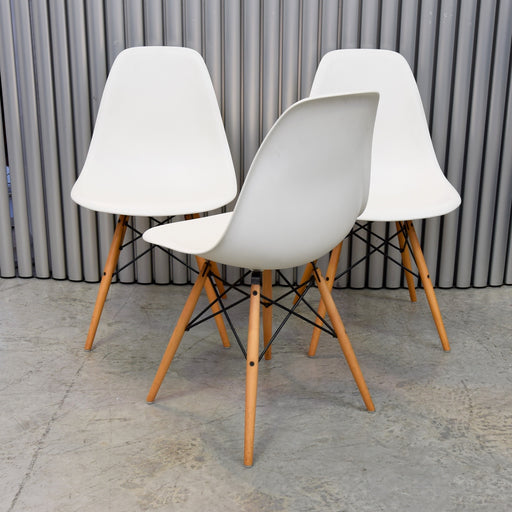 Set of SIX Eames Plastic Side Chair with Dowel Leg (DSW) for Vitra