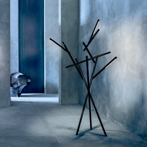 Tuareg LED Floor Lamp by Foscarini – Black (dimmable)