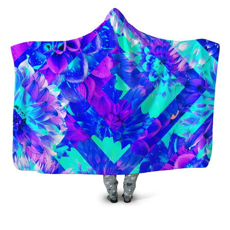 Noctum X Truth - Diamond Dhalia Hooded Blanket