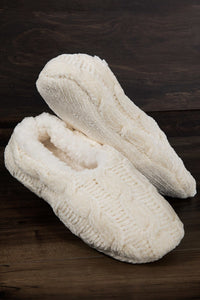CABLE KNIT FAUX FUR SLIPPERS