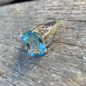 Vintage Sterling Silver Blue Topaz Ring