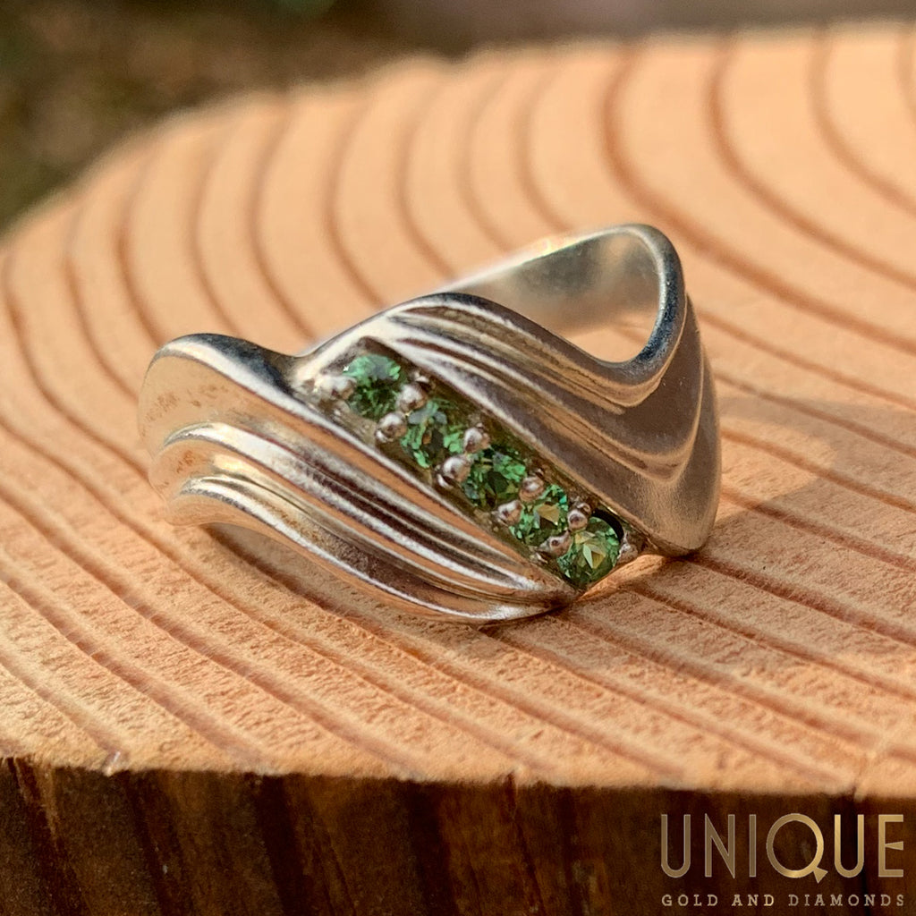 Vintage Sterling Silver Five Peridot Wave Ring