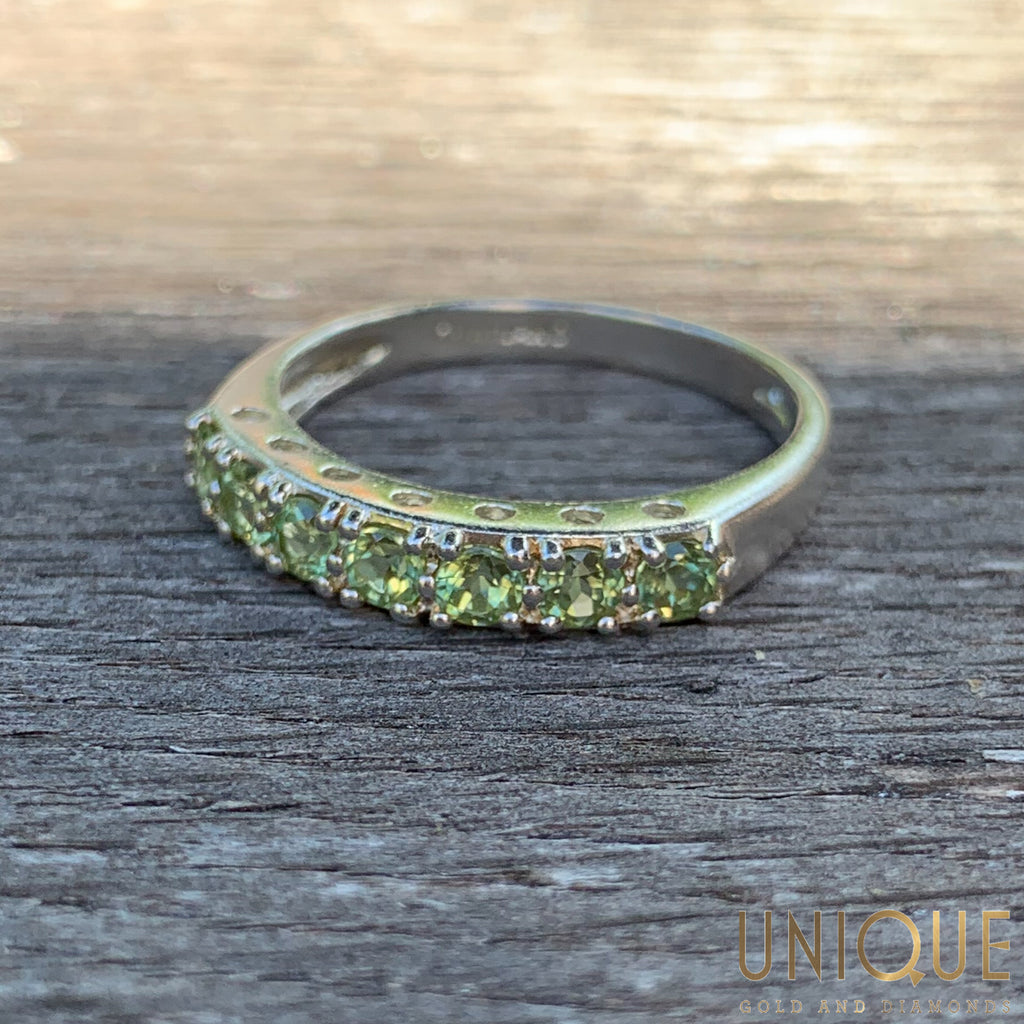 Vintage Sterling Silver Light Green Peridot Band Ring