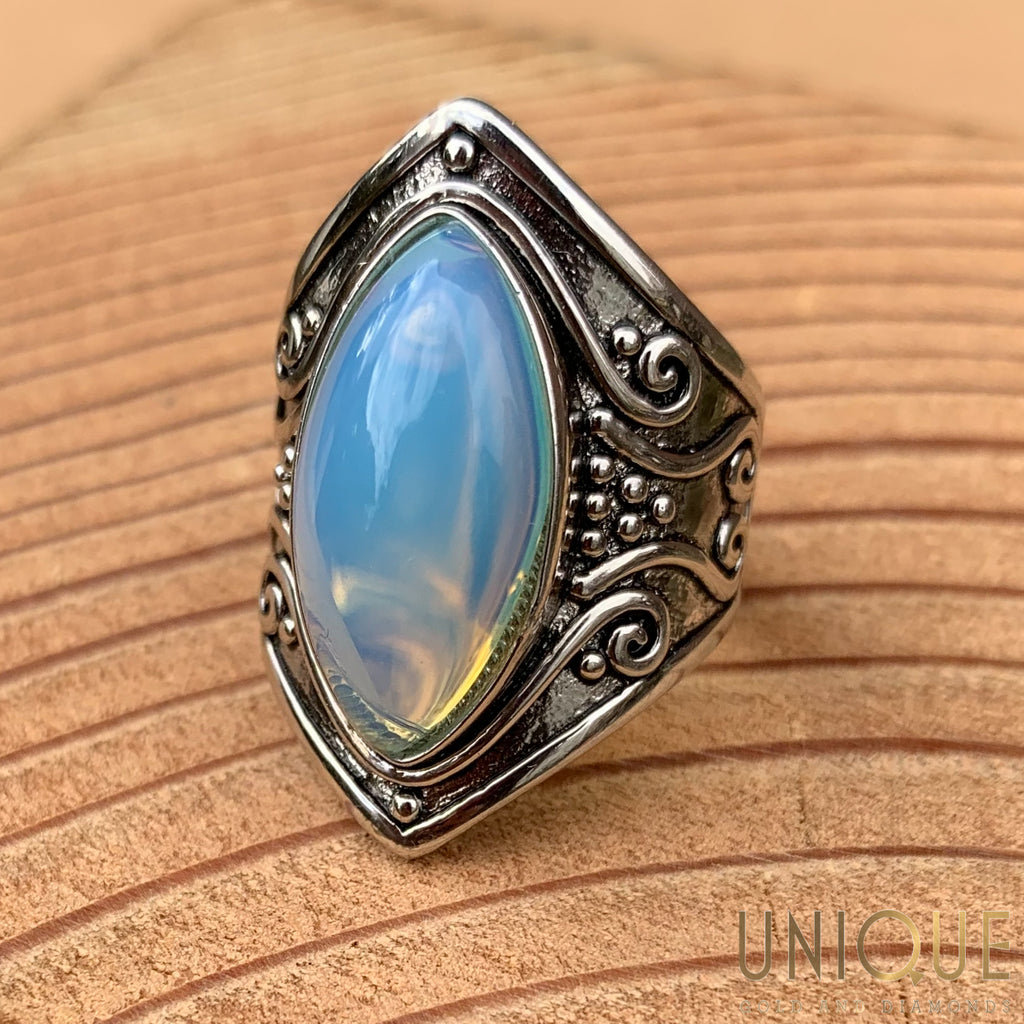 Vintage Sterling Silver Opaque Stone Ring