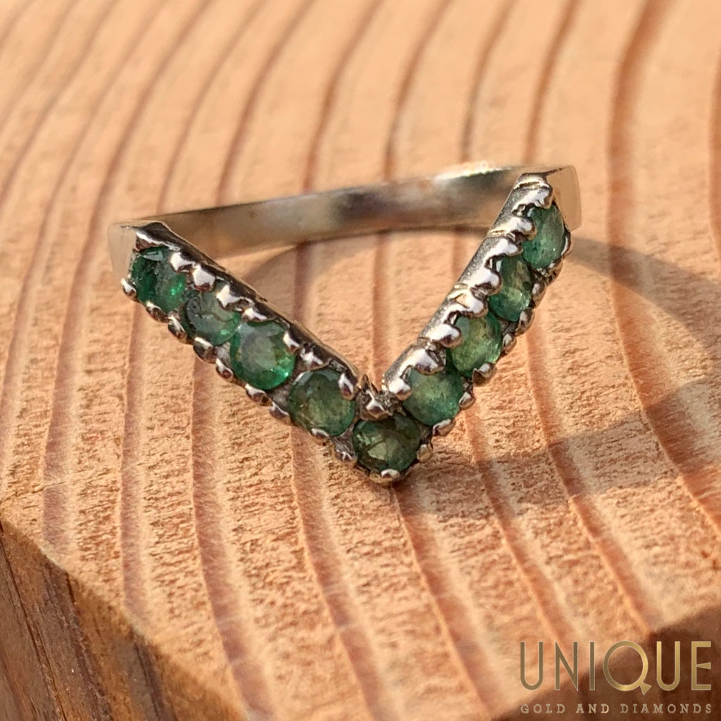 Vintage Sterling Silver Peridot V Ring