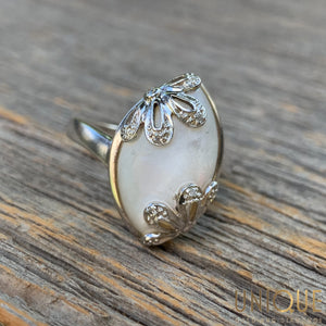 Vintage Sterling Silver Ring With White Moon Stone