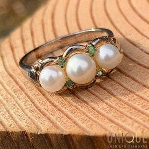Vintage Sterling Silver Three Pearl Ring With Peridots