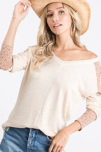 TREND SHOP WAFFLE KNIT V NECK TOP