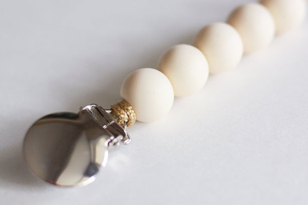 the PETITE RUGGED soother clip // GOLD