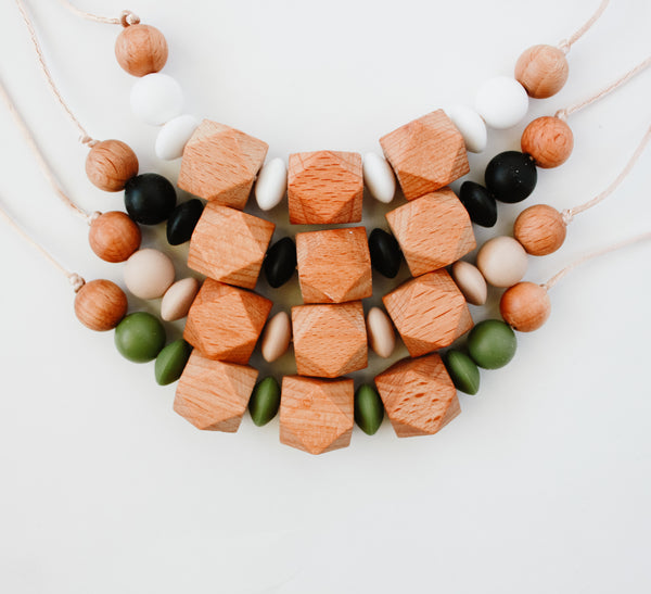 FOLK teething necklace