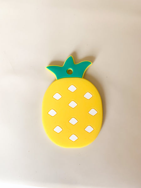 PINEAPPLE Silicone teether - dishwasher + freezer safe