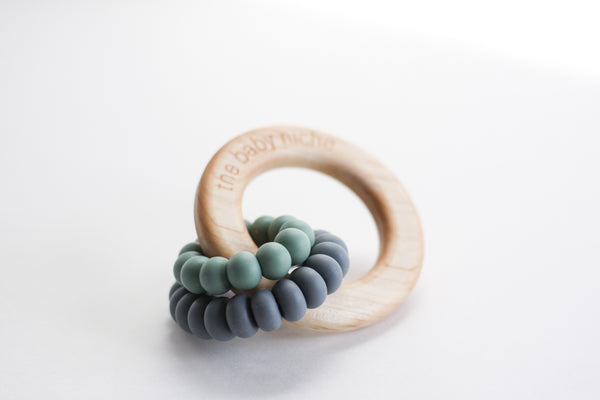 LEVI teether + rattle