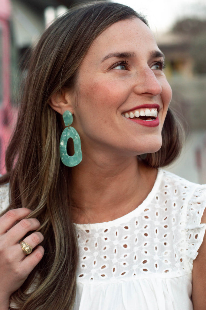 The Everyday Tassel Earring (Cream)