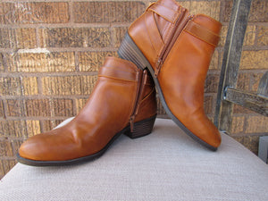 American Eagle Short Bootie - 6