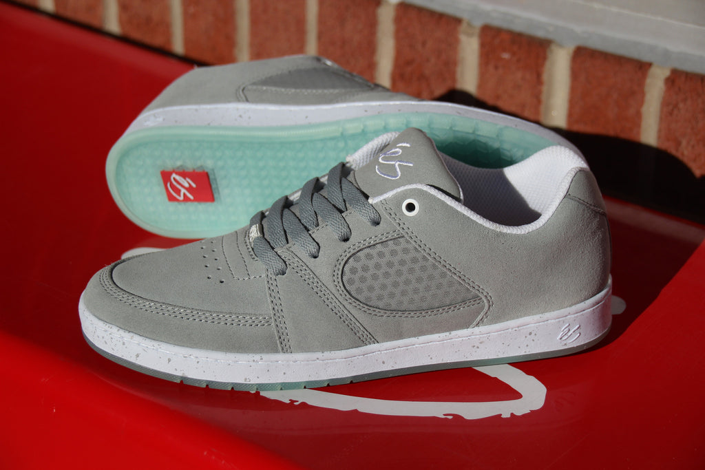 New eS Accel Slim in Grey/Blue