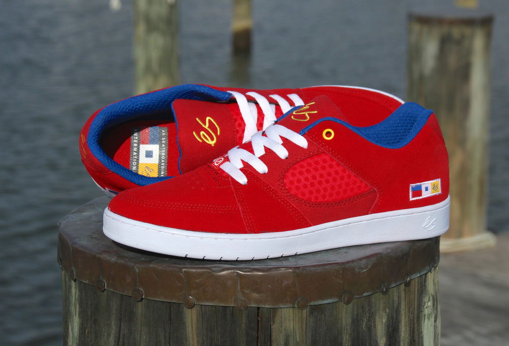 New Nautical Inspired eS Accel Slim