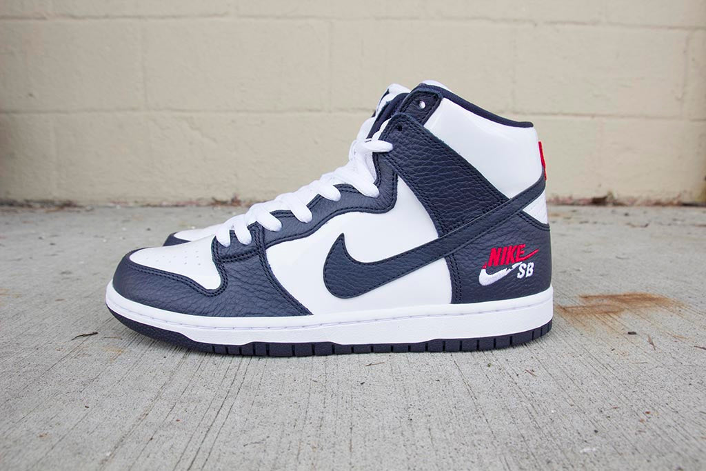 886de1696459 ... authentic nike sb future court dunk high pro obsidian obsidian white  854851 411 pure 89b66 384d0