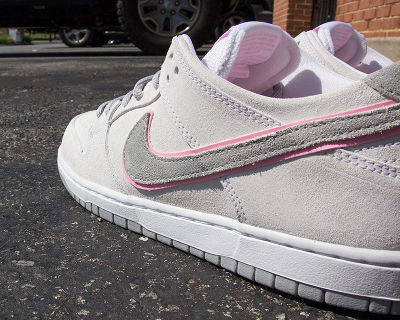 huge selection of f095c 7d2a8 Nike SB Dunk Low Pro IW White Perfect Pink-Flat Silver 895969-160