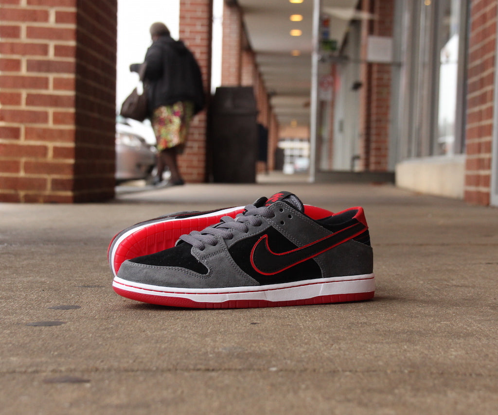 Nike SB Dunk Low Pro Ishod Wair  Dark Grey/University Red-Black-White Style #: 895969-006