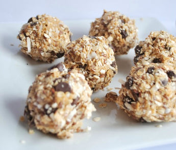 Peanut Butter Cup Protein Bites (V)