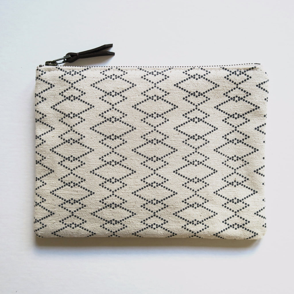 Large Zip Pouch 'Canyon' White/Black