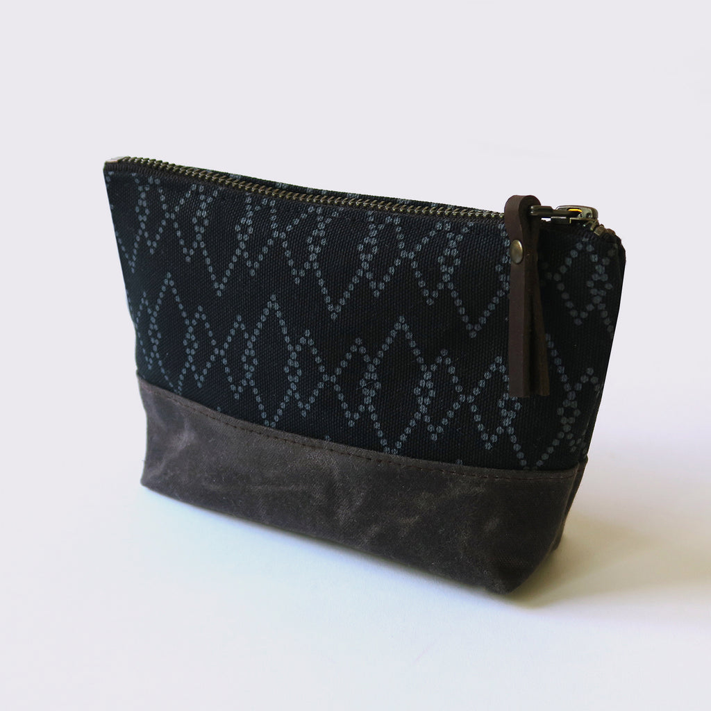Wedge Zip Pouch 'Canyon' Black/Brown