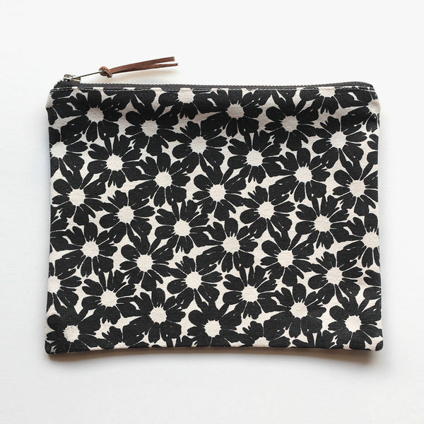 Large Zip Pouch 'Villa Flores' White/Black