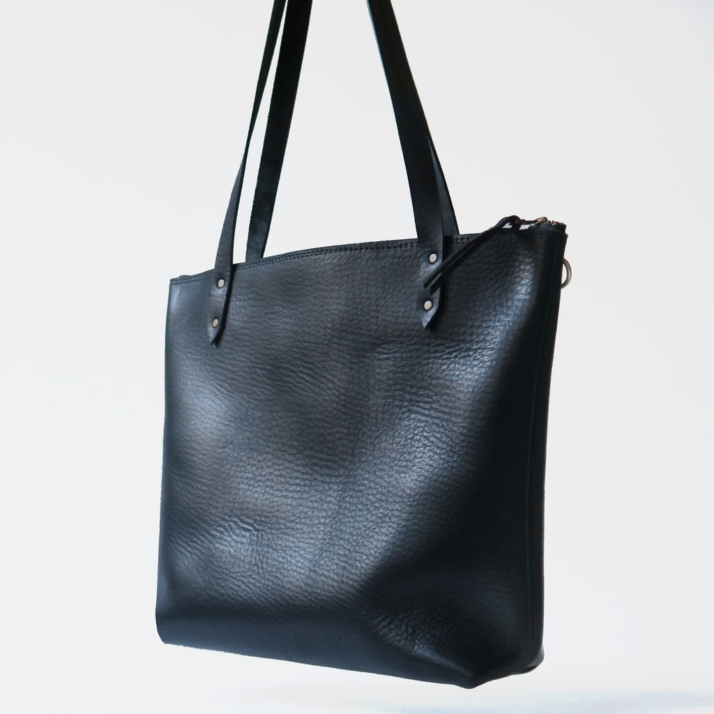 Leather Tote Bag with Crossbody Strap in Black Pebbled