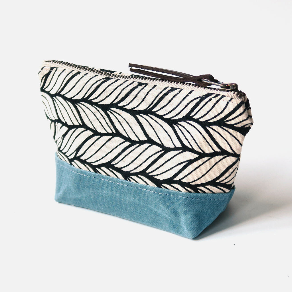 Wedge Zip Pouch 'Columbia' White/Blue