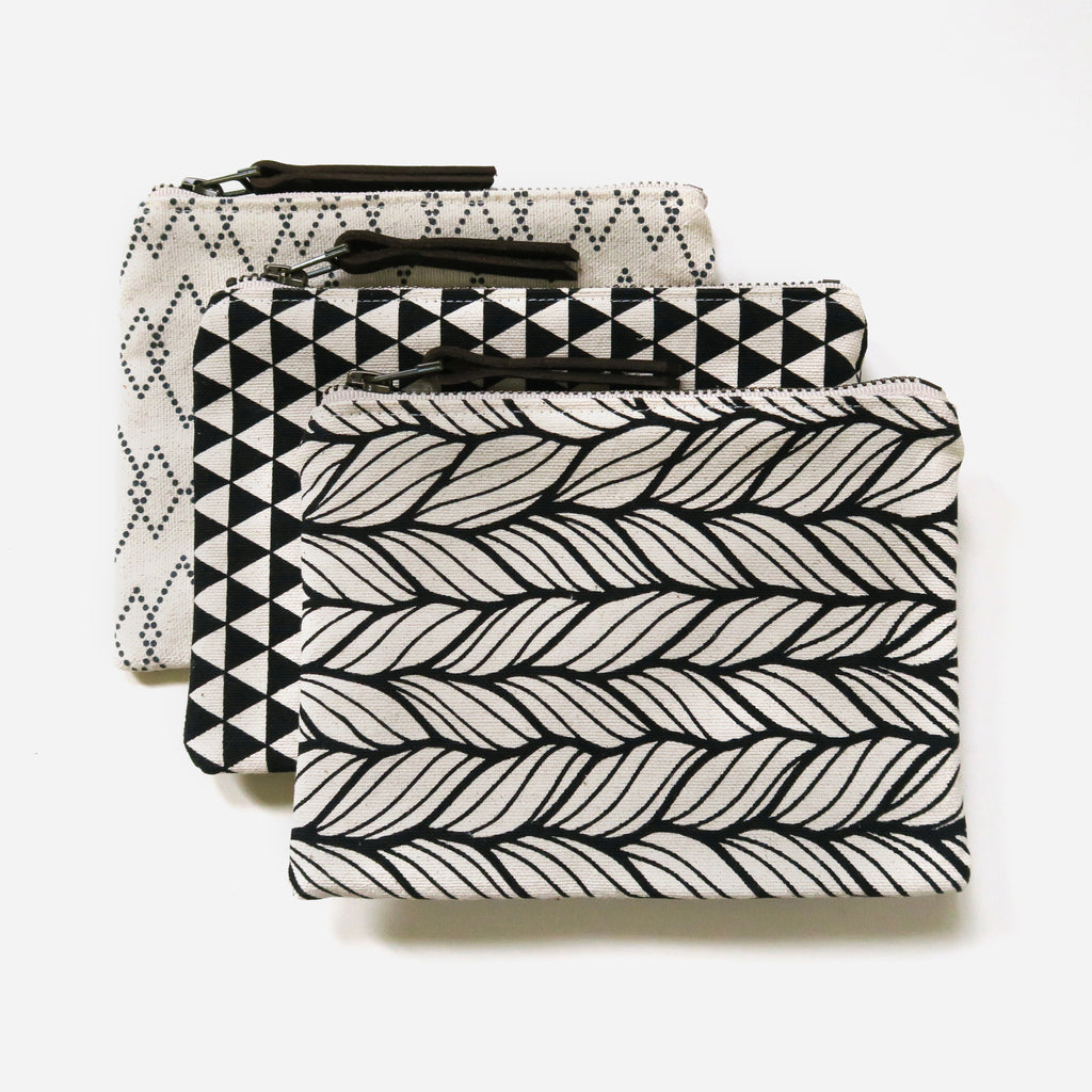 Medium Zip Pouch 'Canyon' White/Black