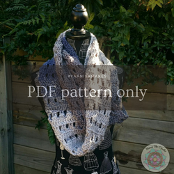 Peek-A-Koo Infinity Scarf by Tegan Howes (PDF pattern only)