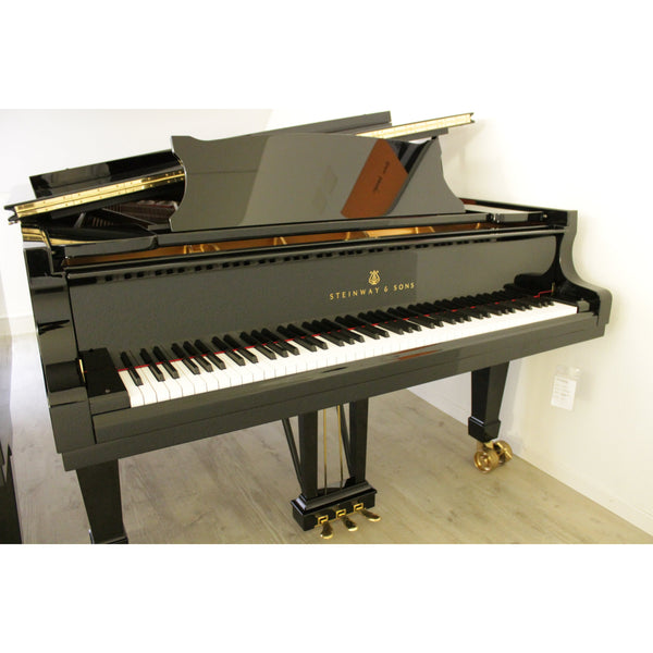 Steinway & Sons - Modell D