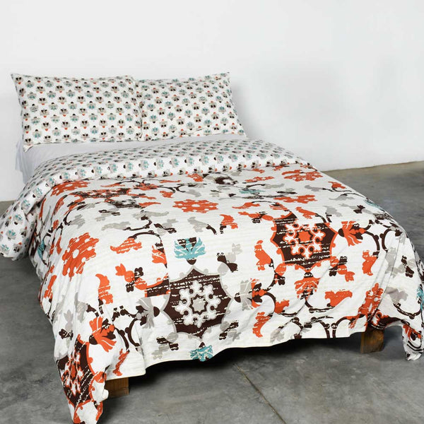 Multi Colored Cyclic Flowers Duvet