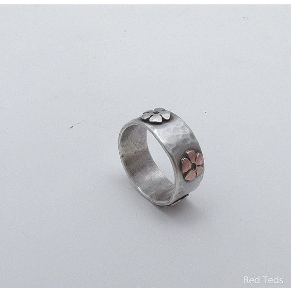 Hammered Daisy Flower Ring - Red Ted's Jewellery