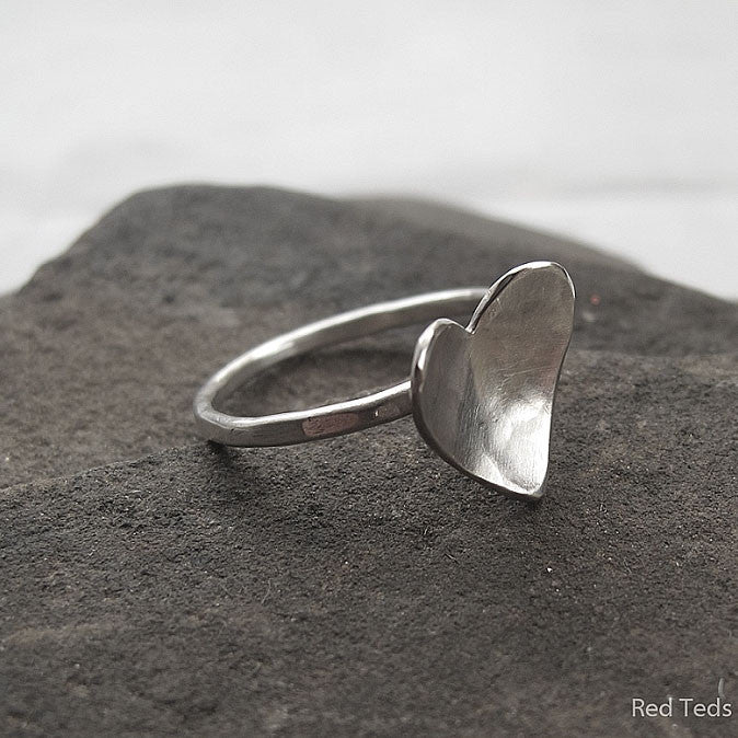 Hammered sterling silver heart stacking ring - Red Ted's Jewellery